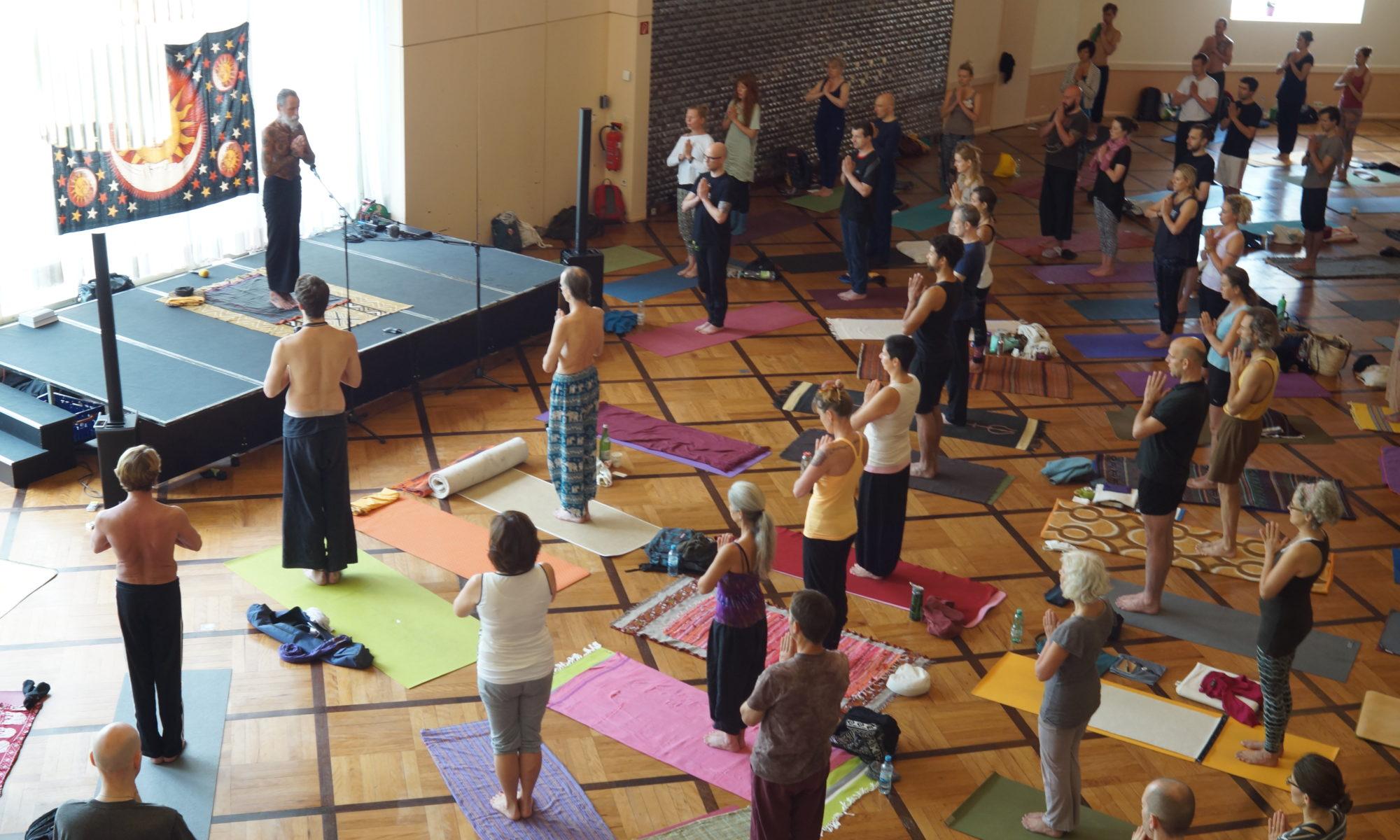 Yoga in der Tradition von Dhirendra Brahmachari